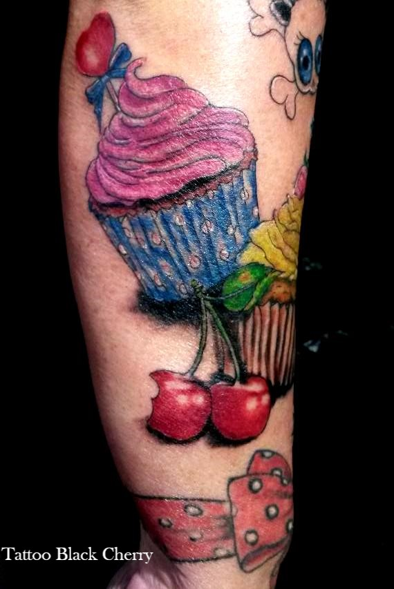 Tattoo am Unterarm Cupcakes Girly Tattoos 2